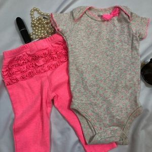 Carter's Baby girl top and Pants set 6M A30